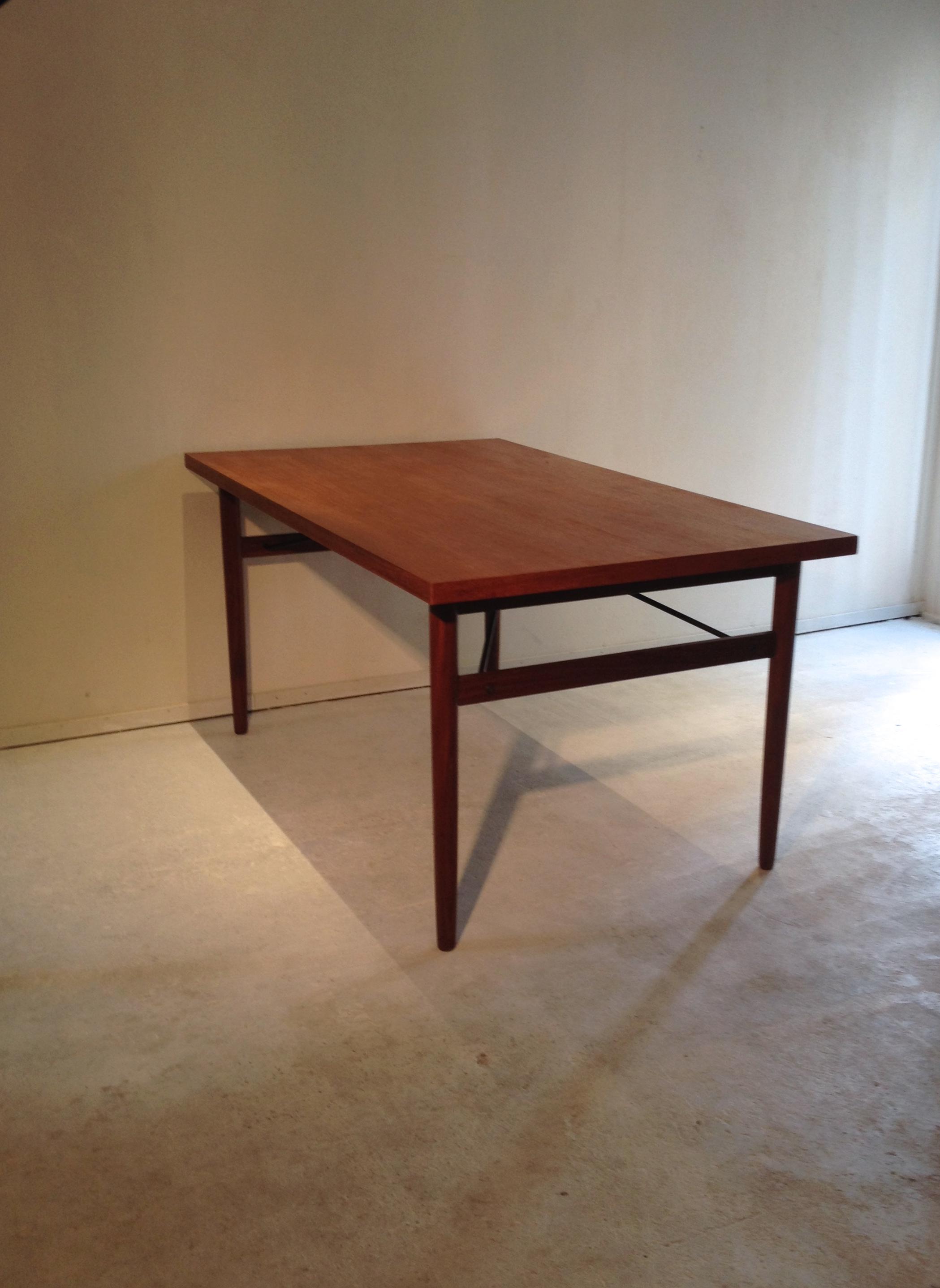 Teak Designed Dining Table Vintage Station : IMG0143 from www.vintage-station.com size 2098 x 2875 jpeg 1357kB
