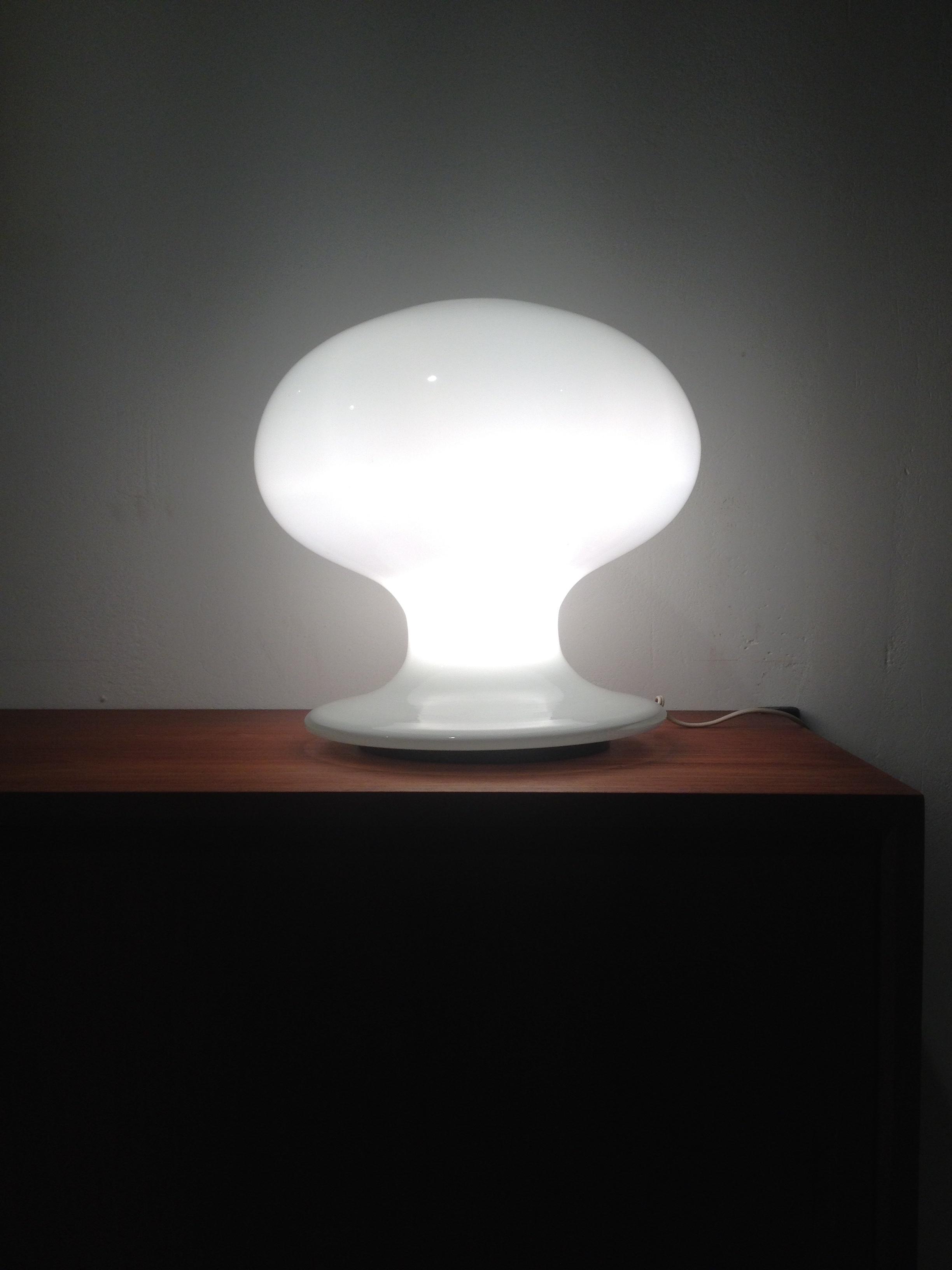 amazing mushroom table lamp by vistosi vintage station. Black Bedroom Furniture Sets. Home Design Ideas